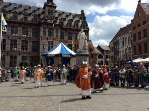 Aartsbisschop en bisschoppen